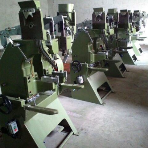 Automatic riveting machine factory