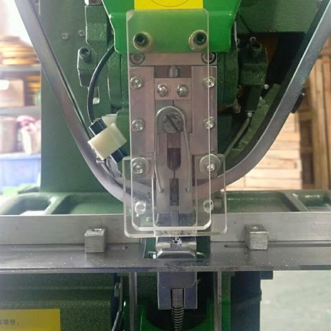 Safety Device of Snap Button Attaching Machine