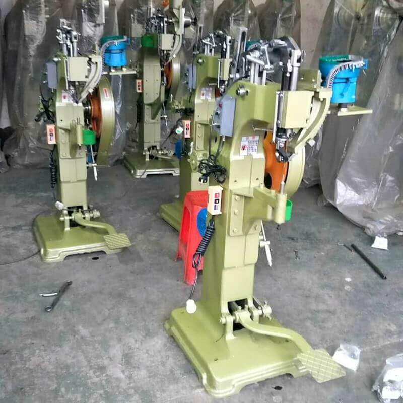 Vibrating Bowl Feeder Automatic Feed Rivet Machine