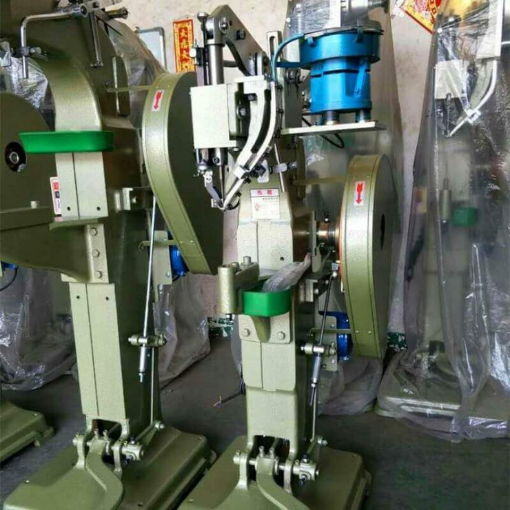 Vibratory Bowl Feeder Automatic Feed Rivet Riveting Machine